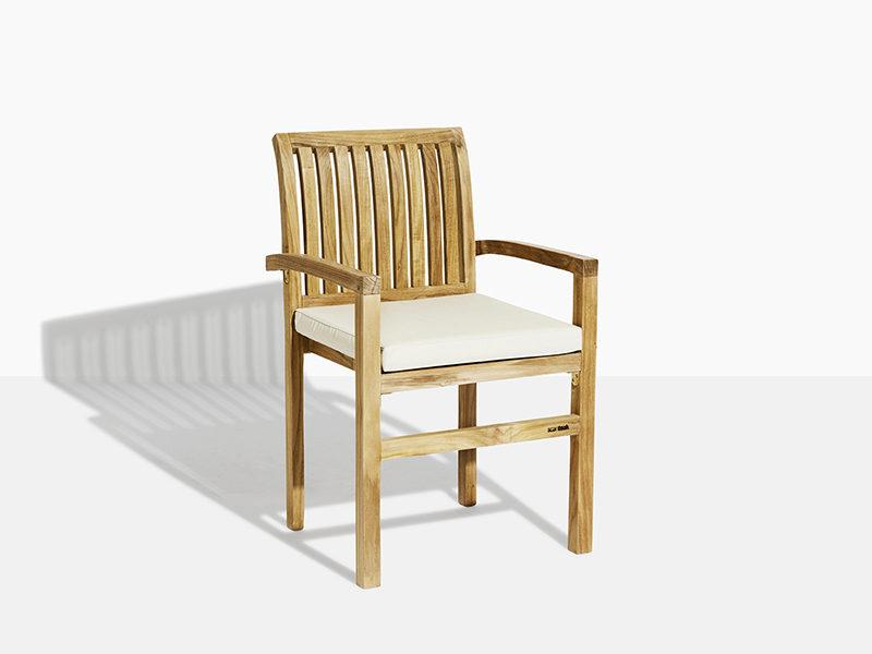 stabel havestol i teak træ. flot teakstol der kan stables og købes online på scanteaks havemøbler webshop