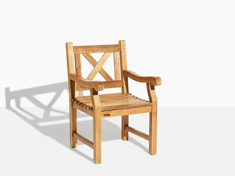 Klassisk havestol i teak i skagen stil skagerak trip trap. Fast stol i teaktræ til have og terrasse