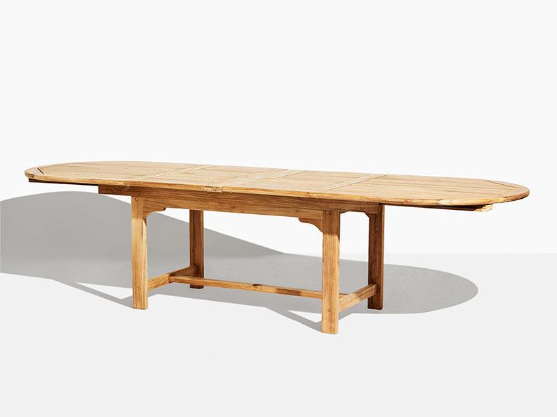 ovalt rundt udtræksbord i teak træ. Med butterfly funktion. 200 cm til 300 cm. Godt tilbud og flot design. Bæredygtigt plantage teak
